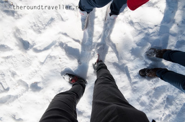 The snow was so thick that it could bury my leg!